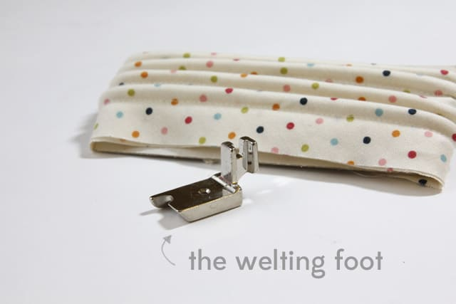 Sewing 101: Handmade Piping With The Welting Foot | Sewing 101 | Sewing Tutorials | Handmade Piping | Welting Foot | How to Make Piping with a Welting Foot || See Kate Sew #sewing101 #sewingtutorials #handmadepipingtutorial #seekatesew