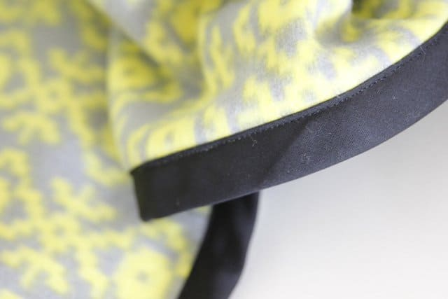 Easy Fleece Bias Tape Blanket Tutorial With Rounded