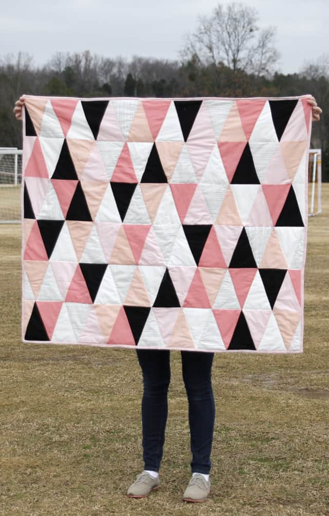 modern ombre bw triangle quilt tutorial pattern how to make a