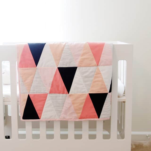 photograph about Baby Quilt Patterns Free Printable named progressive ombre + b/w triangle quilt guidebook + behavior - look at