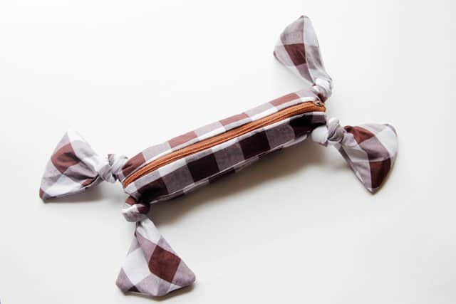 knotted corner zipper pouch