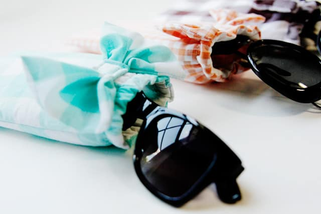 DIY bow sunglasses case // see kate sew