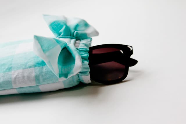 sunglasses case with a bow // see kate sew