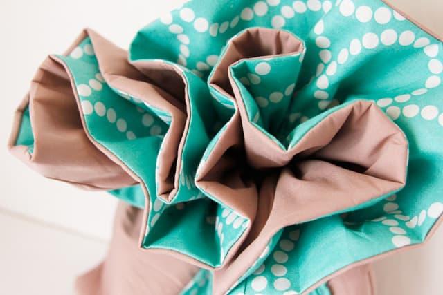 ruffle-fabric-gift-bag-tutorial-3