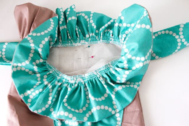 ruffle-fabric-gift-bag-tutorial