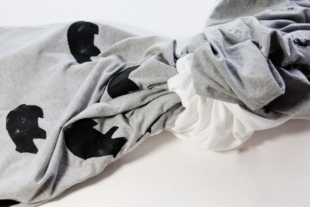 bear stenciled blanket tutorial