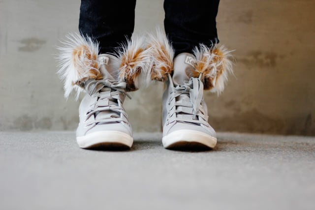 make your own removable faux fur clips for shoes