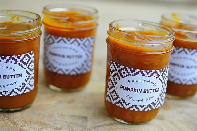 pumpkin butter with free printable - great neighbor gift idea!