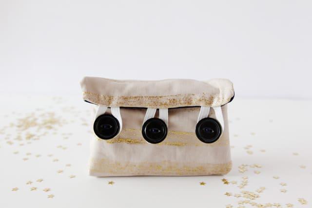 nail-polish-kit-buttons