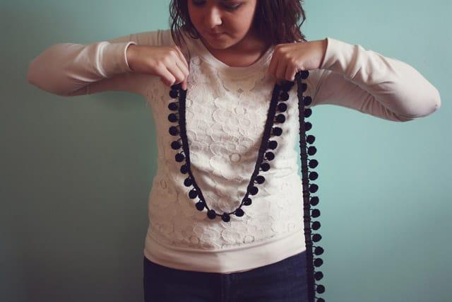 pom necklace 02