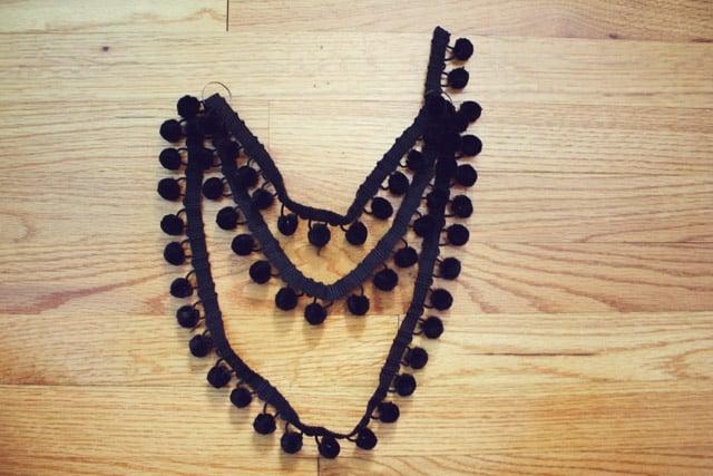 pom necklace 05