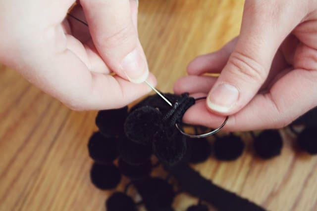 pom necklace 07