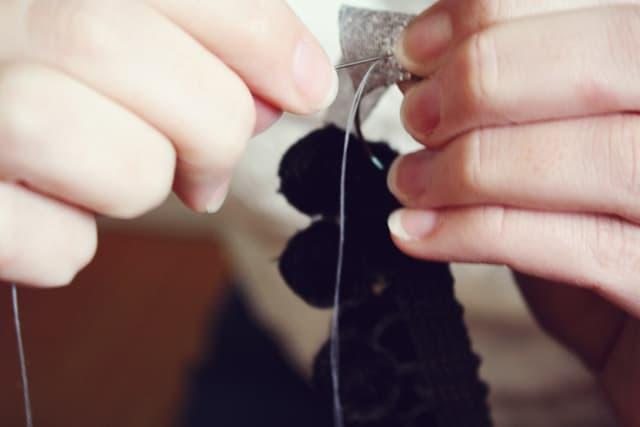 pom necklace 09