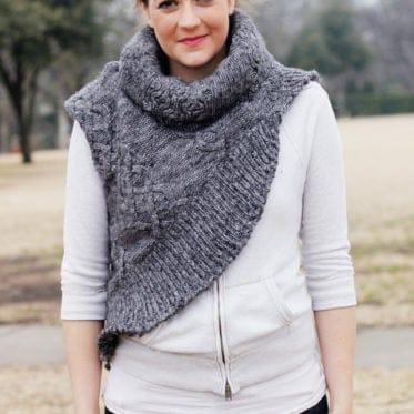 the KATNISS cowl! FREE sewing pattern seekatesew.com