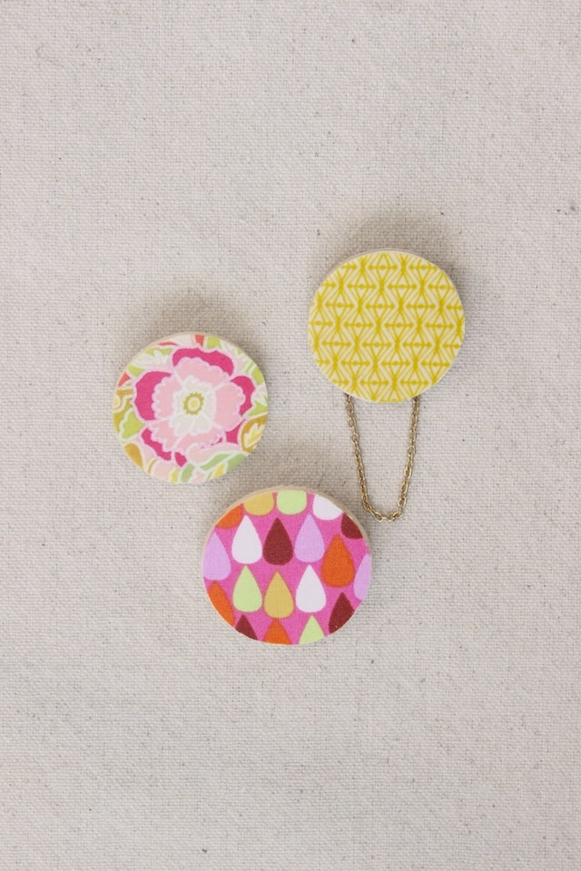 DIY Scrap Fabric Spring Brooches 1