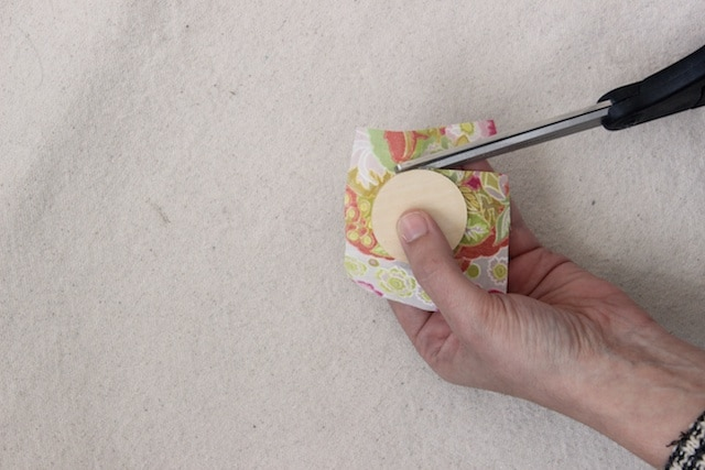 DIY Scrap Fabric Spring Brooches - Step 3