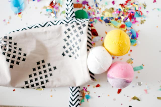 bath bomb bag tutorial for birthday gifts