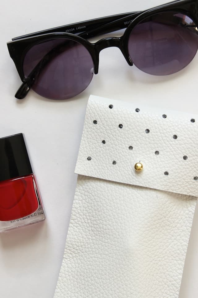 No-Sew Leather Glasses Pouch 3