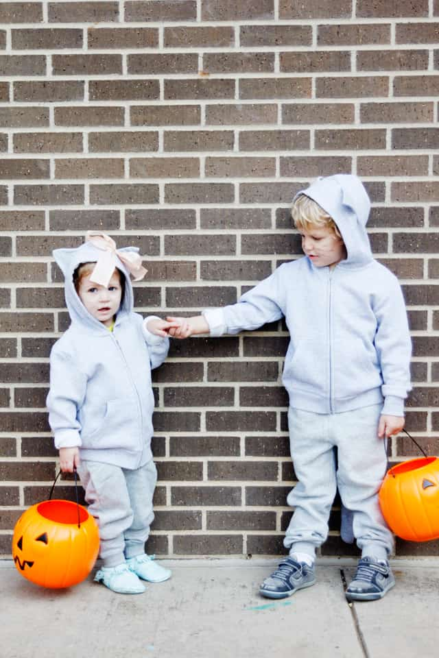 Easy Cat Costumes | handmade halloween costumes for kids | halloween costumes for kids | kid friendly halloween costumes | homemade halloween costumes | cat inspired halloween costumes | DIY halloween costumes || See Kate Sew