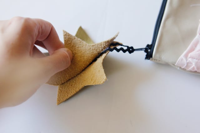fabric-and-leather-pouch-tutorial-25