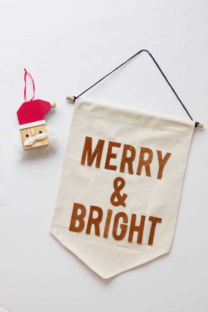 Merry and Bright Wall Hanging | No Sew Canvas + Leather Wall Hanging Tutorial | how to work with leathercraft | leather crafts | diy leather banner | crafts and diys | diy kids art || See Kate Sew #leathercraft #nosew #leatherbanner