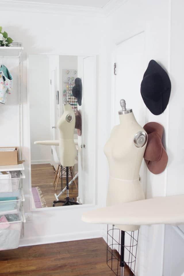 Sewing Room Tour | diy sewing rooms | sewing room ideas | sewing room layout | sewing room decor | sewing room design || See Kate Sew #sewingroom #sewingspace #sewingroomdecor