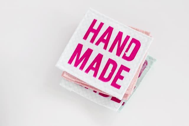 handmade-sewing-labels-screenprint