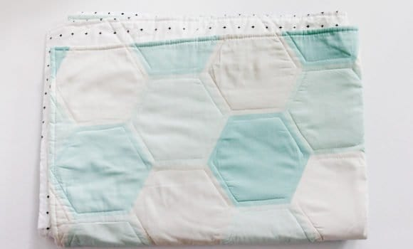 ONE HOUR HEXAGON QUILT   See Kate Sew