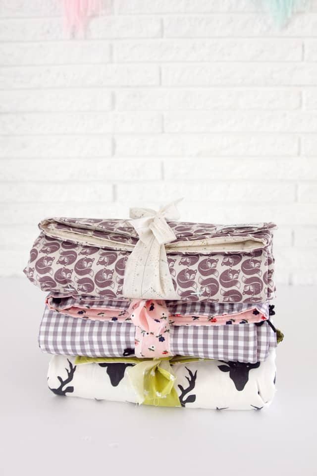 Simple Yarn Tied Baby Blankets | diy baby blanket | homemade baby blanket | easy baby blanket | baby blanket tutorial || See Kate Sew #babyblanket #diybaby #sewingtips