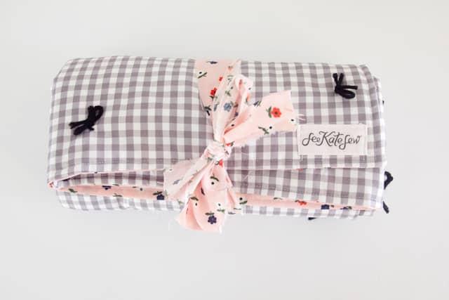 yarn-tied-baby-blanket-12