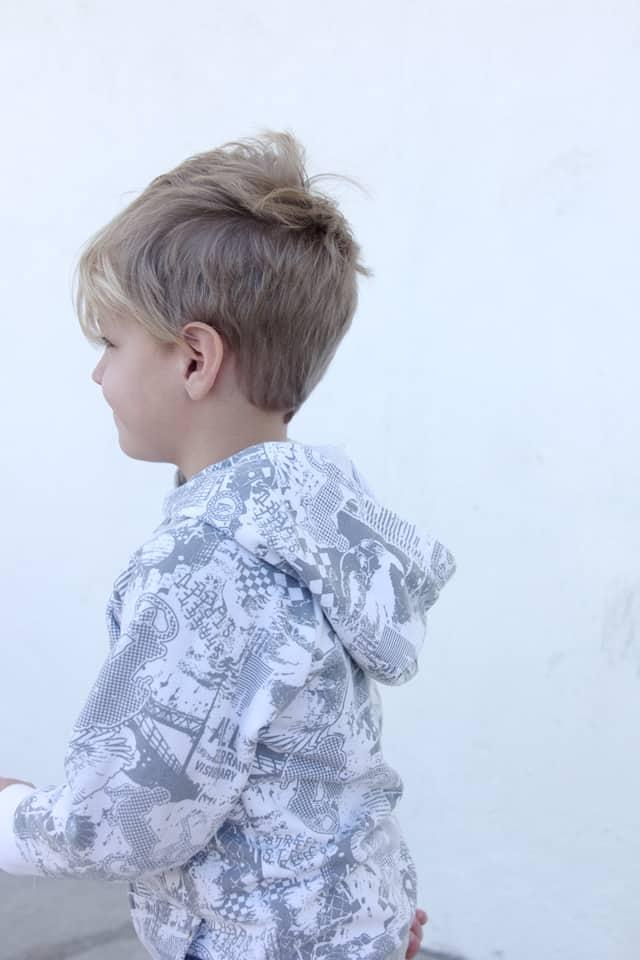 Recess Raglan Hoodie Tutorial | DIY raglan sweatshirt | kids clothing tutorials | sewing tips and tricks | sewing tutorials | free sewing patterns | how to see a kids hoodie | diy kids clothing ideas || See Kate Sew