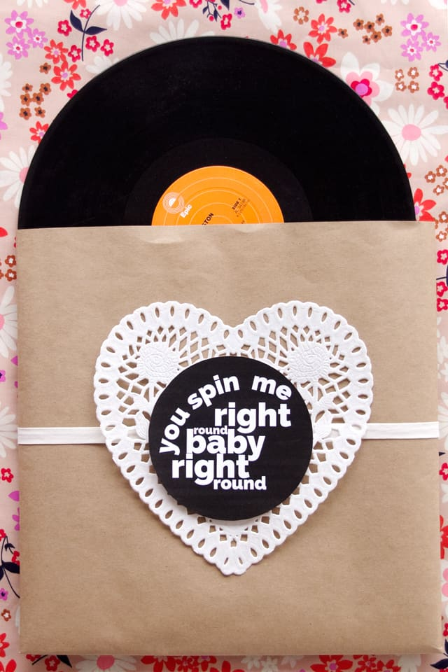 RECORD SLEEVE VALENTINE | fun Valentines for adults | diy Valentines | homemade Valentines | free valentine printable || See Kate Sew #valentineprintables #diyvalentines #valentinesday