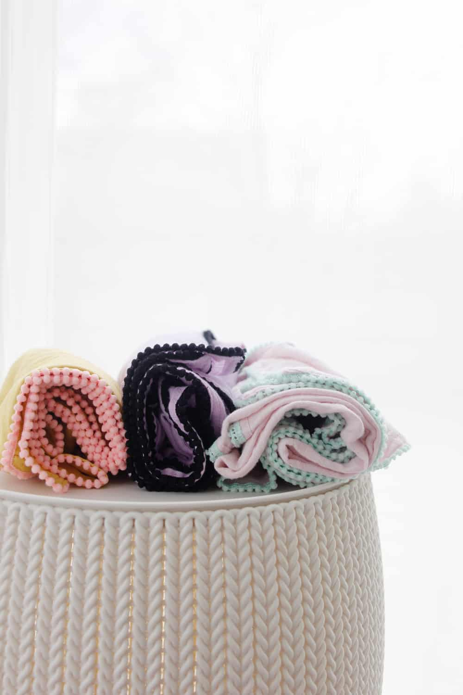 DIY Pom Pom Swaddle Blanket | diy baby blanket | handmade baby blanket | hand sewn baby blanket | diy baby gifts | how to sew a swaddle blanket | sewing tutorials | free sewing tips || See Kate Sew #diybabyblanket #swaddleblanket #diybabygift