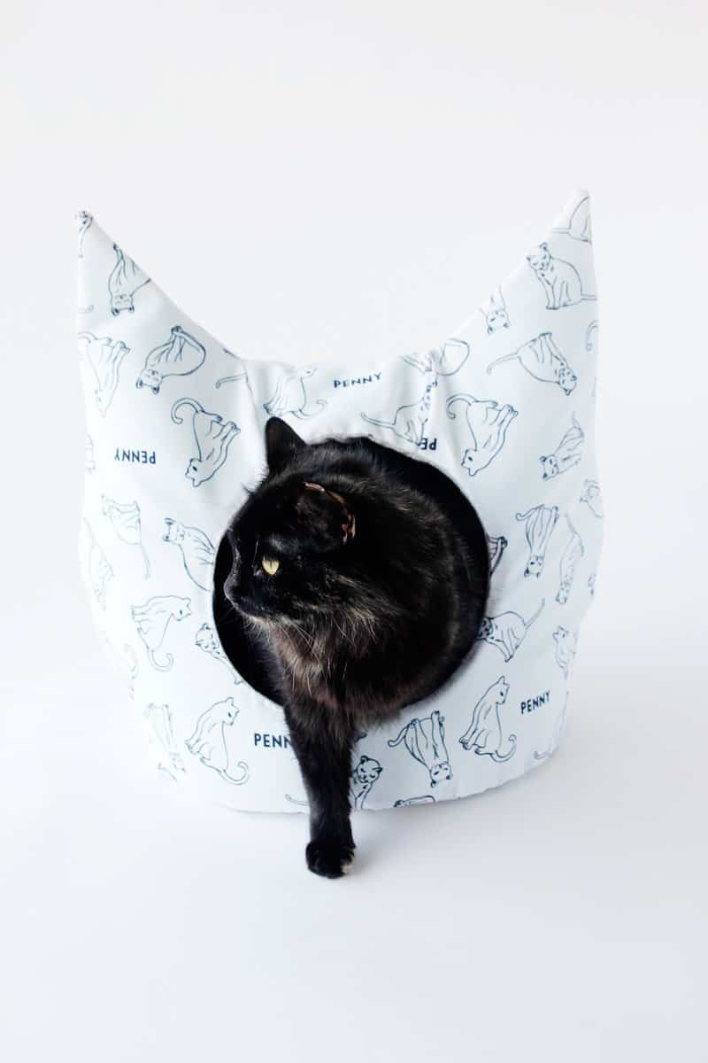 DIY Cat Bed with Free Sewing Pattern | free cat bed sewing pattern | how to make a cat bed | diy cat bed | homemade cat bed || See Kate Sew #diycatbed #sewingpattern #catbed