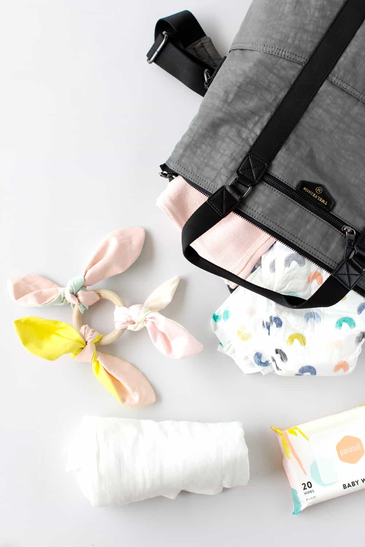 DIY Knotted Crinkle Toy | diy baby toys | handmade baby toys | diy fabric baby toys | hand sewn baby toys || See Kate Sew #babytoys #diybaby #diytoys