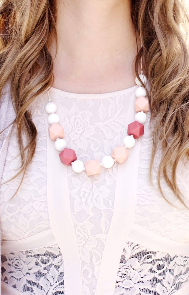 Solly Baby x Rifle Paper Co | DIY teething necklace | how to make a teething necklace | handmade teething necklace | homemade teething necklace | teething necklace tutorial | DIY baby products || See Kate Sew