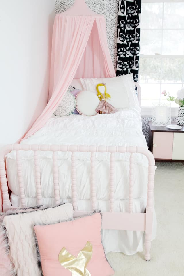 Good unicorn girls room