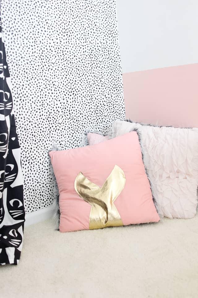 DIY Mermaid Pillows | diy mermaid decor | mermaid pillow decor | mermaid inspired home decor | diy mermaid home decor | diy pillows | how to sew a pillow | sewing tutorials | free sewing patterns || See Kate Sew #mermaidpillow #mermaid #diypillow