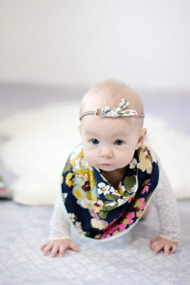 Bandana Drool Bib Tutorial | diy drool bib | handmade drool bib | diy drool bib pattern | easy diy drool bib | drool bib ideas || See Kate Sew #droolbib #diybaby #babybib