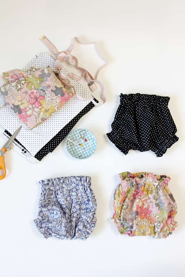 DIY PAPER BAG WAIST BABY BLOOMERS - Free Pattern! | diy kids clothing | kids clothing diy | baby clothing ideas | diy baby clothing | how to sew baby bloomers | diy baby bloomers | sewing tutorials | free sewing patterns | sewing tips and tricks || See Kate Sew #freesewingpatterns