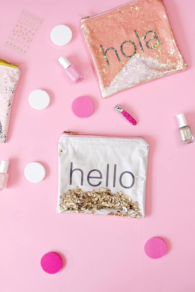 GLITTER SHAKE POUCH | diy makeup bag | diy zippered pouch | cricut projects | diy tips and tricks | diy sewing projects | sewing tips and tricks | sewing tutorials | how to make a zippered pouch || See Kate Sew