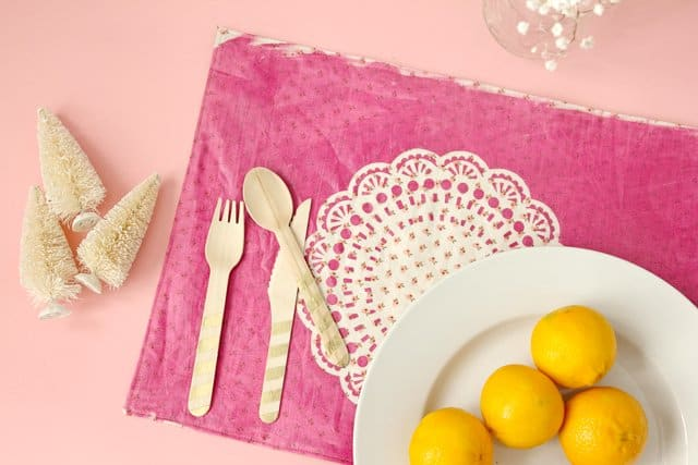 DIY doily placemat tutorial | diy gift ideas | homemade placemat | how to make a placemat | placemat tutorial | diy sewing tutorials | cricut projects | easy cricut project || See Kate Sew #cricutproject #diygift #diyplacemats