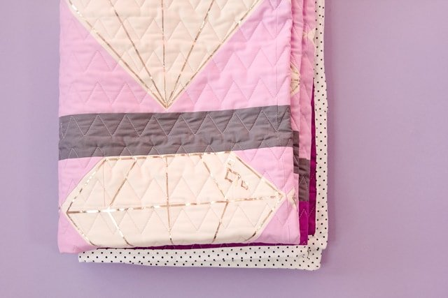 Quilting with the Cricut Maker | Quilt Block of The Month | free quilt patterns | diy quilt | quilt tutorial | cricut tutorials | how to make a quilt || See Kate Sew #freepattern #quiltpatterns #cricut