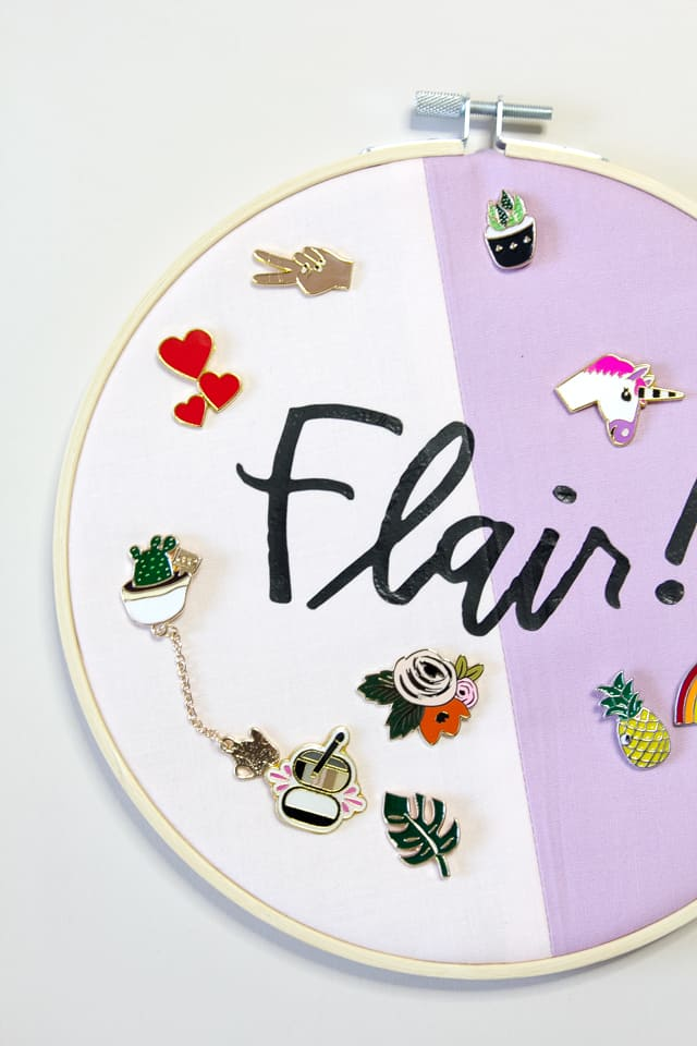 Fabric Flair Embroidery Hoop and Enamel Pin Display | diy embroidery hoop | embroidery hoop ideas | embroidery hoop craft | cricut tutorials | cricut craft ideas || see Kate sew #cricut #embroideryhoop #cricuttutorial