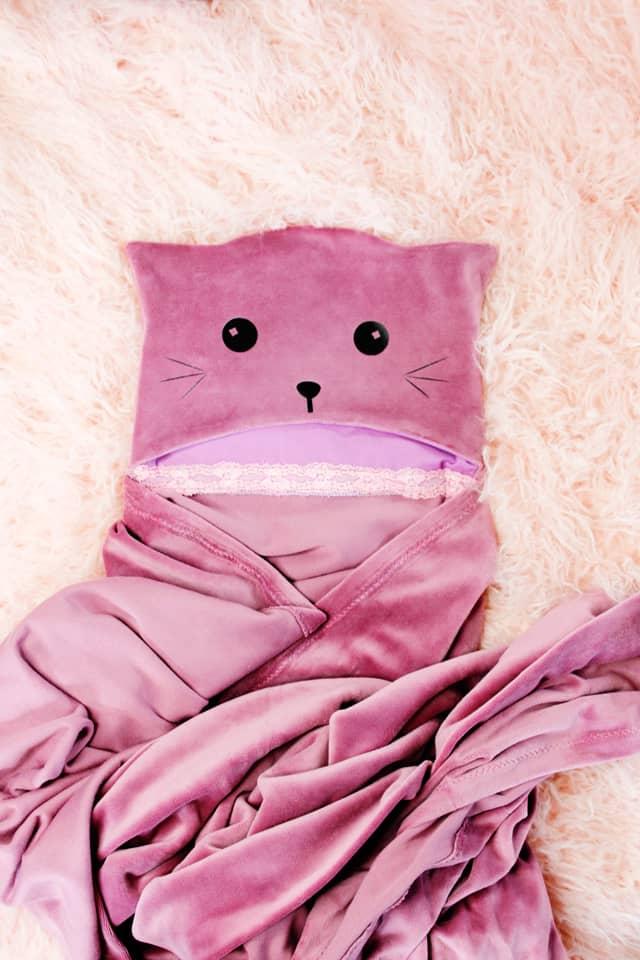 Hooded Blanket Tutorial 3 ways! | kid friendly hooded blanket | diy hooded blanket | free sewing tutorial | free blanket pattern | free sewing pattern || See Kate Sew #diy #sewing #tutorial #hoodedblanket #freepattern