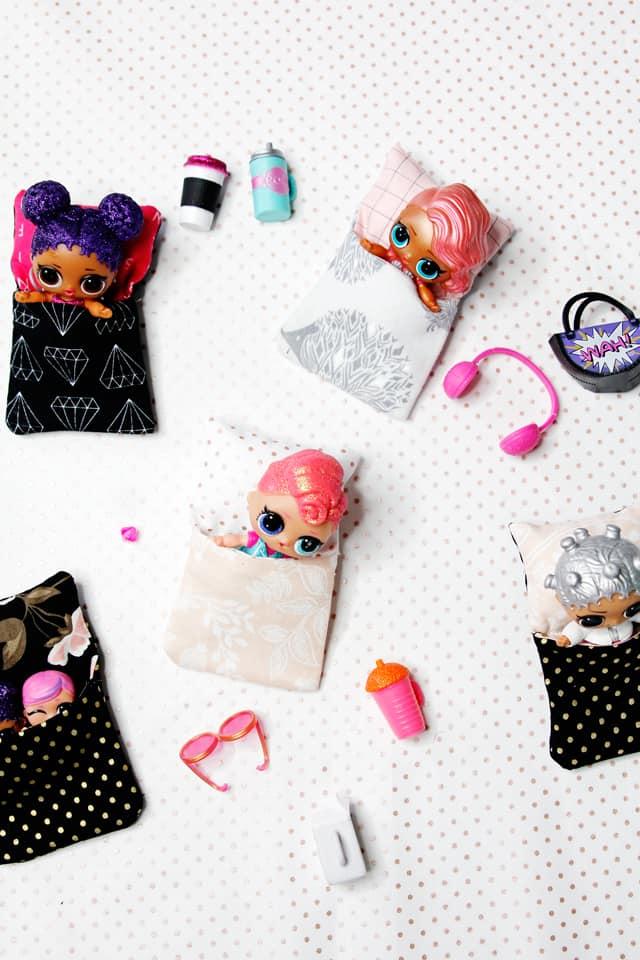 Doll Sleeping Bag Tutorial | diy sewing | diy kids toys | diy doll accessories || See Kate Sew #dolls #kidstoys #diy #diytoys #dollaccessories