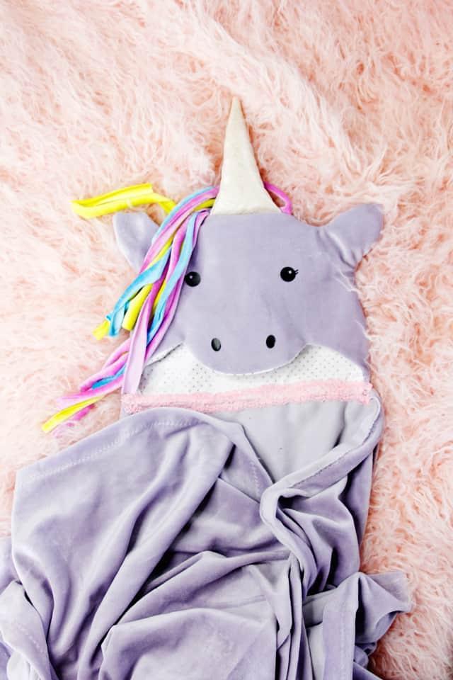 Unicorn Hooded Blanket Tutorial | Hooded Blanket Tutorial 3 ways! | kid friendly hooded blanket | diy hooded blanket | free sewing tutorial | free blanket pattern | free sewing pattern || See Kate Sew #diy #sewing #tutorial #hoodedblanket #freepattern