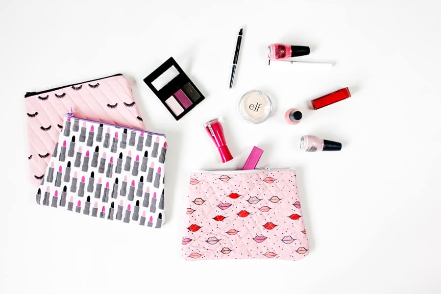 Quilted Cosmetic Case Kiss Me Kate | DIY Cosmetic Case | Makeup Bag Tutorial | Quilted Cosmetic Case | Quilted Makeup Bag | DIY Makeup Bag | Sewing Tutorial | Kiss Me Kate Fabric | Makeup Bag || See Kate Sew #quiltedmakeupbag #diymakeupbag #diycosmeticcase #cosmeticcasetutorial #makeupbagtutorial #kissmekatefabric #seekatesew
