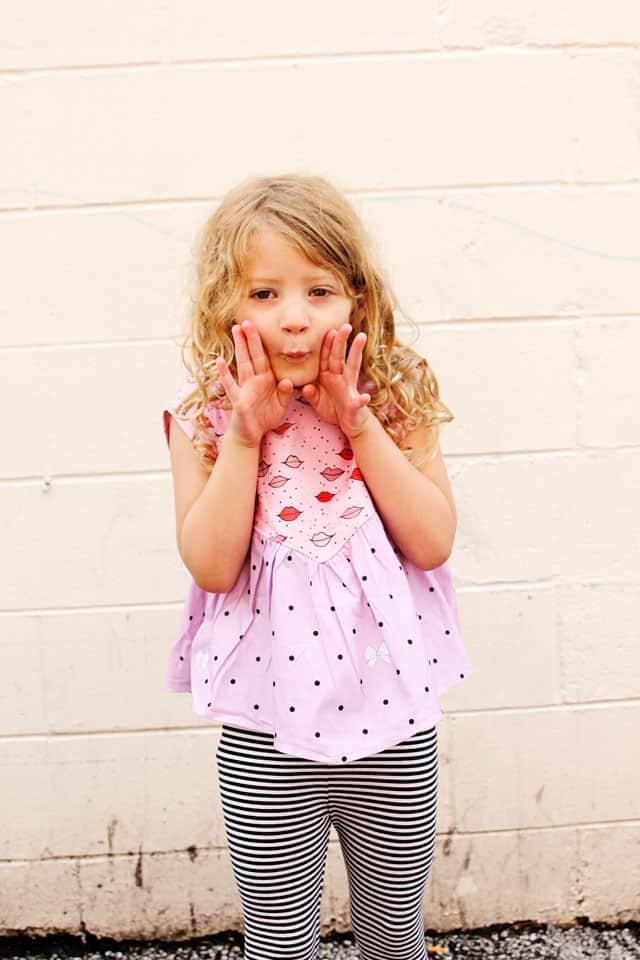 Manhattan Top | DIY Girls Top | DIY Girls Clothes | DIY Kids Clothes | Manhattan Top Pattern | Kiss Me, Kate Fabric || See Kate Sew #diygirlstop #manhattantop #kissmekate #lipfabric #seekatesew