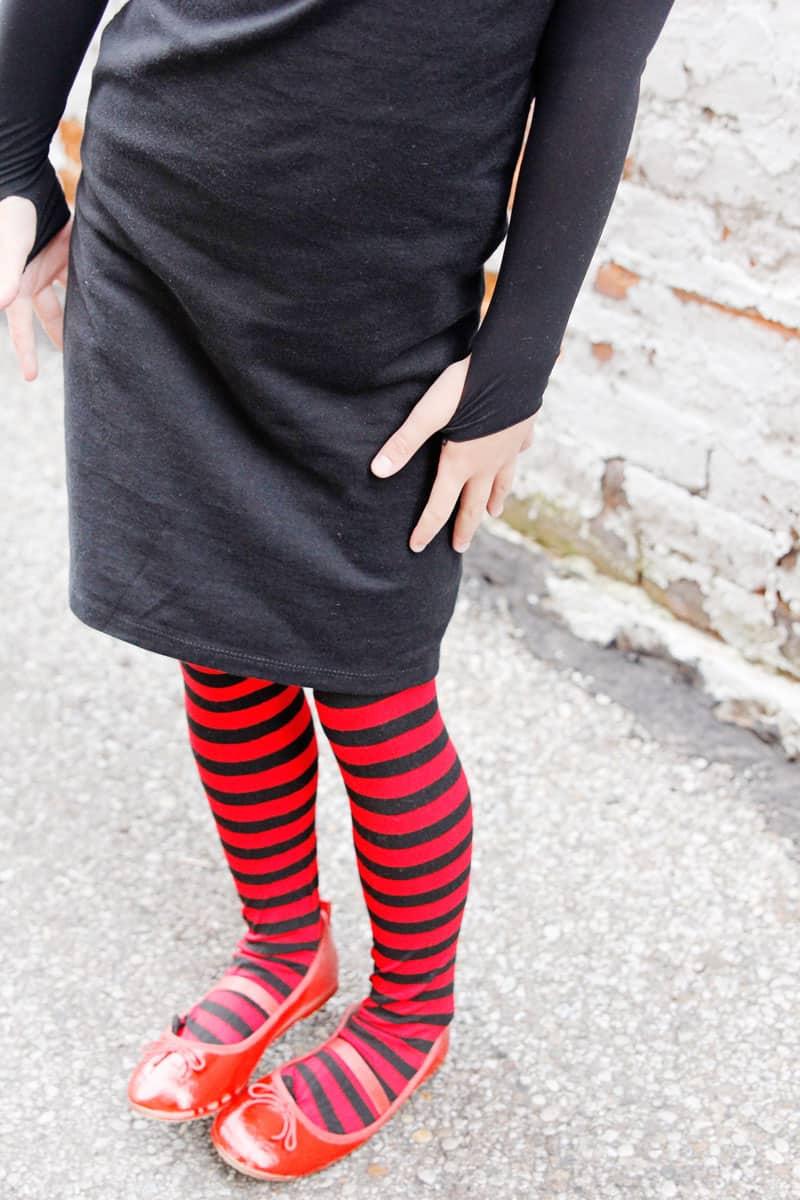DIY Hotel Transylvania Family Costumes | Family Costumes | Halloween Costumes | Hotel Transylvania Costumes | DIY Halloween Costumes | DIY Costumes | DIY Family Costumes || See Kate Sew #diycostumes #hoteltransylvania #diyhalloweencostumes #diyfamilycostumes #seekatesew